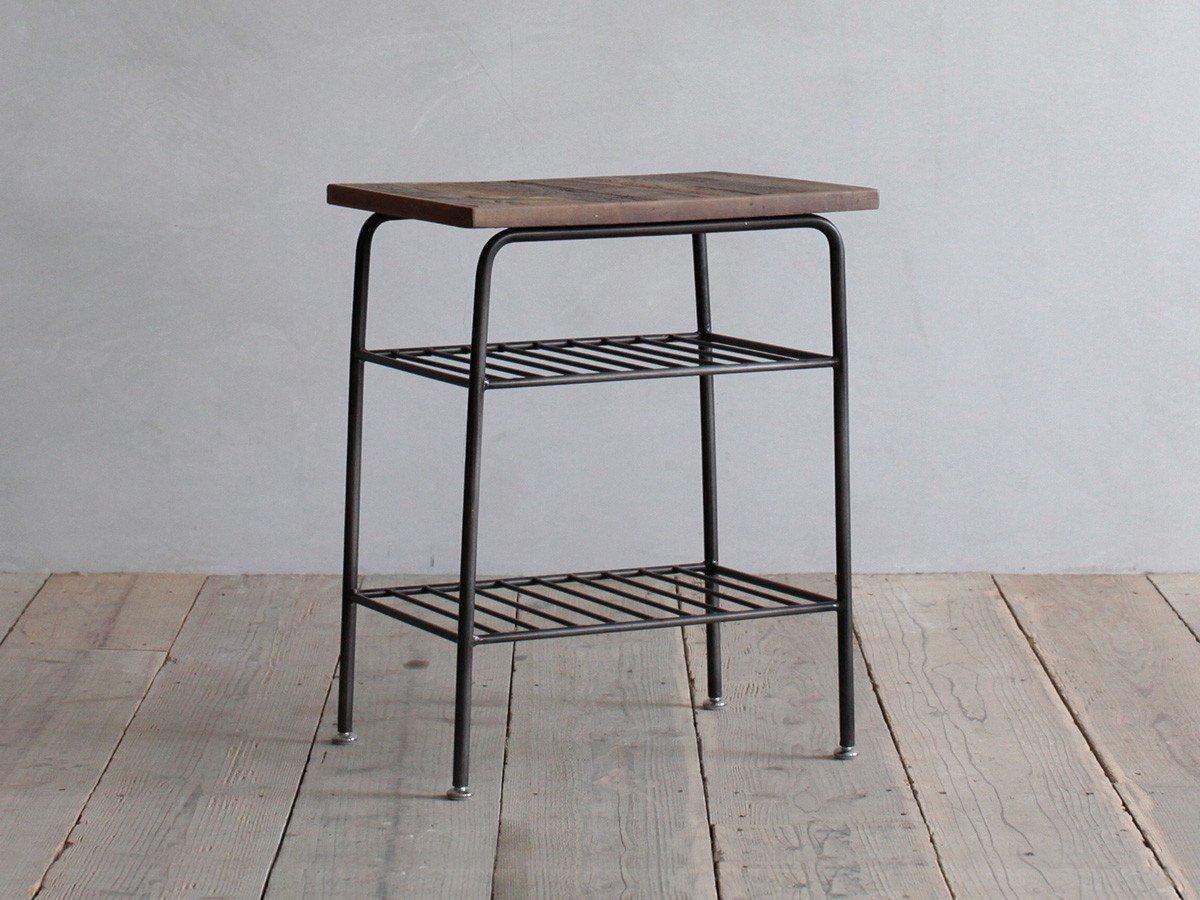 サイドテーブル。